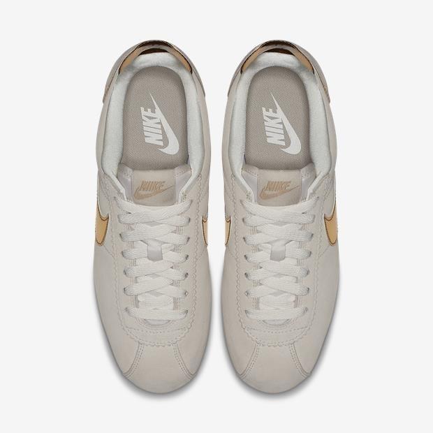 7bb0e8dcff6ef Tênis Nike Classic Cortez Edição Especial Dourado - R  330