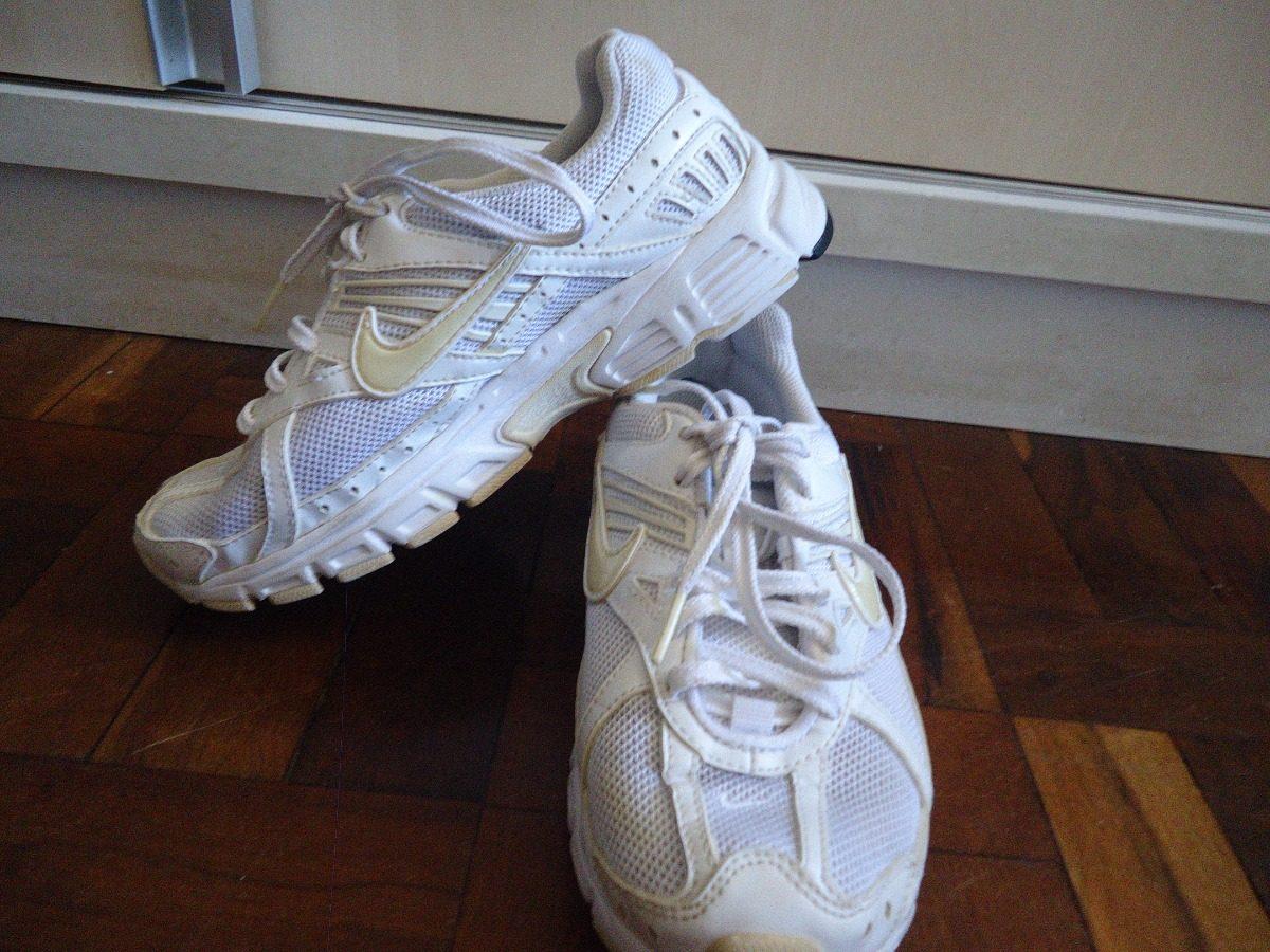 a1dec0efd91 tênis nike feminino branco 35 usado. Carregando zoom.