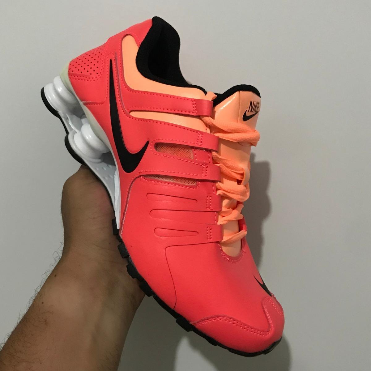 size 40 c3f3d e12f6 tênis nike feminino shox current sneaker - aqui é original. Carregando zoom.