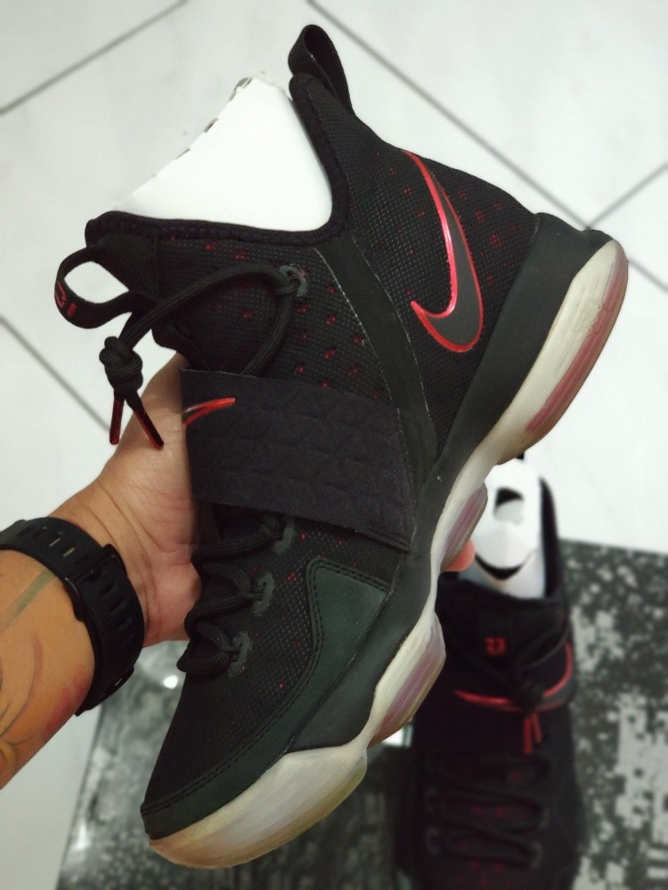 finest selection 55a0b e7282 Tênis Nike Lebron 14 Bred
