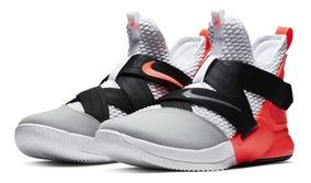 on sale 9335d 3ac2c Tênis Nike Lebron Soldier 12 Flash Crimson King James
