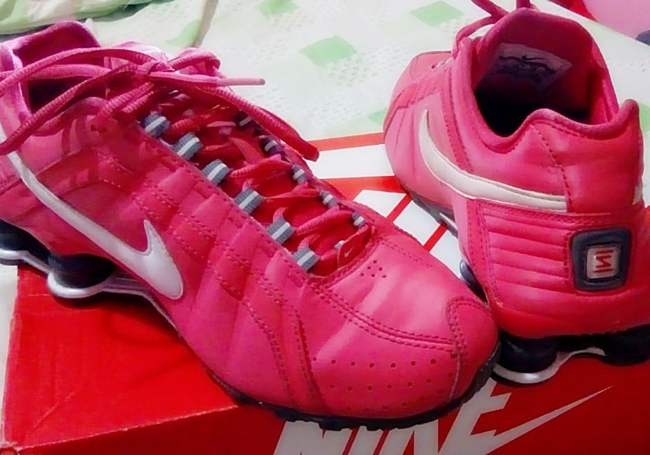 tenis nike shox junior rosa e branco