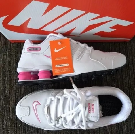 check out 7744f e5405 tênis nike shox nz branco e rosa