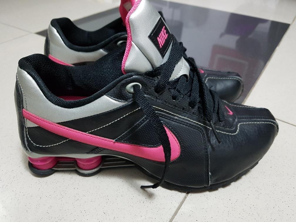 de8cf117c26 tênis nike shox tamanho 39 preto e rosa super novo. Carregando zoom.