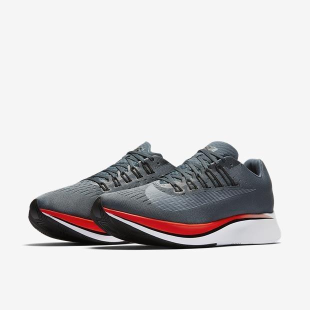 e49acbb38 Tênis Nike Zoom Fly - Lançamento Corrida Runner Academia - R  479