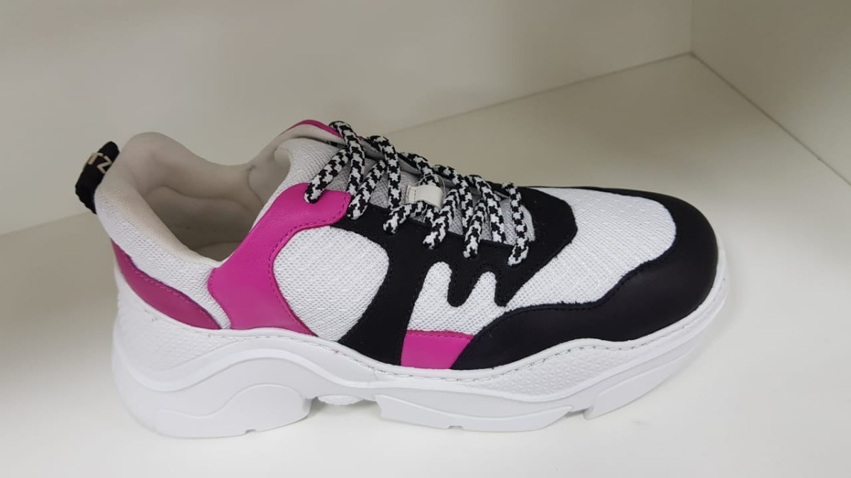 37fd4f960 tênis nobuck white black - schutz - chunky sneaker s.95-18. Carregando zoom.