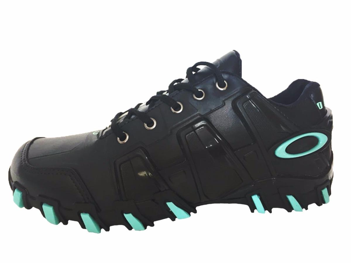 tênis oakley hardshell bota botinha lançamento masculino fem. Carregando  zoom. f5ecd3187cd