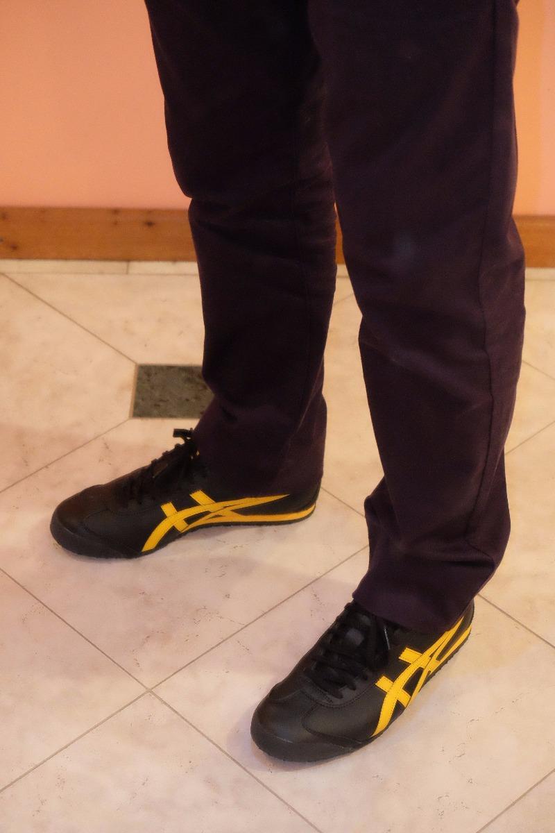 a7c22152a1 tênis onitsuka tiger asics mexico 66 preto amarelo tam. 40. Carregando zoom.