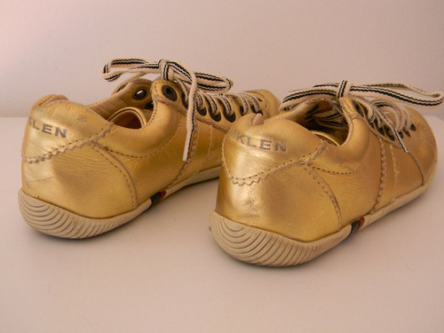 tênis osklen dourado, muito pouco usado