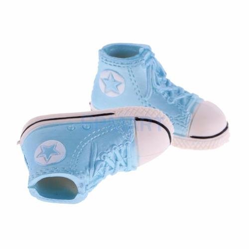 tênis ou sapatos para boneca blythe um par