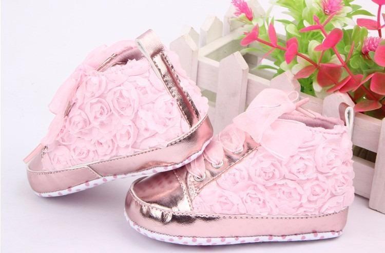 03466a5c57 Tênis Sapato Sapatinho Bebê Menina Floral Rosa 2 A 6 Meses - R  34 ...