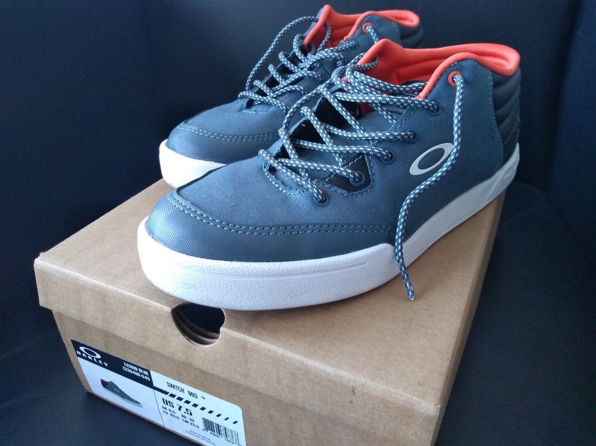 tênis switch mid oakley azul - tamanho 39. Carregando zoom. d091ea8ac5947