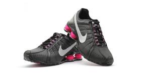 a90a302cba7 Tenis Nike Shox Feminino Cinza E Rosa Claro - Tênis no Mercado Livre ...