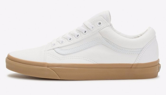 de14973bfc0 Tênis Vans Old Skool Canvas Gum true White light - R  299