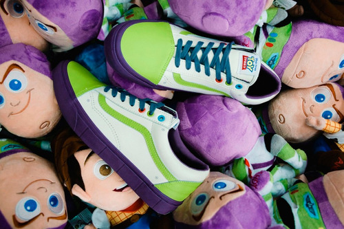 tênis vans old skool toy story buzz lightyear 43 original