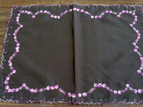 toalha de bandeja com bordado