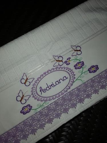 toalha de banho bordada e personalizada flores e borboletas