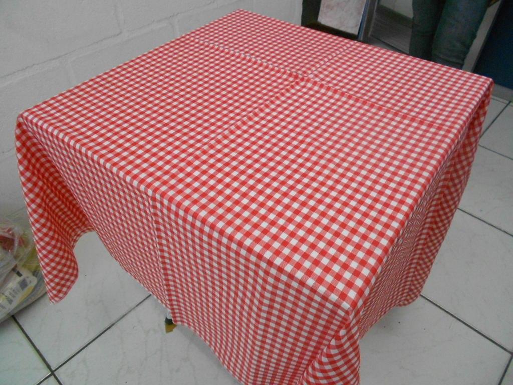 Toalha De Mesa Xadrez 140×140 R$ 10,90 em Mercado Livre -> Decoração De Mesa Xadrez