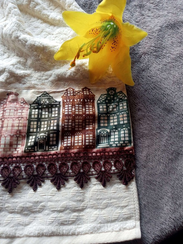 toalha de rosto bege 49x80cm com guipir, sianinha, tricoline