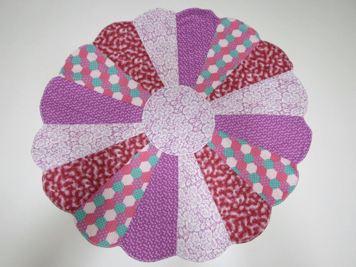toalha em patchwork em pétalas