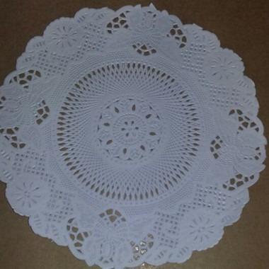toalha rendada papel mago 18cm (180) c/100 unids