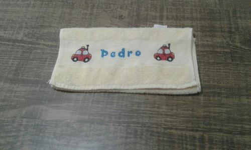 toalhinha de mão bordada em ponto cruz