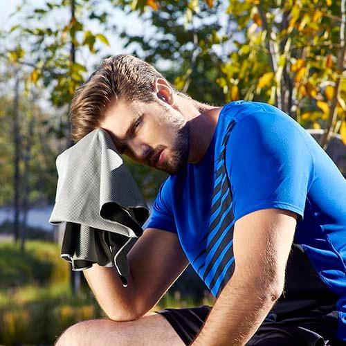 toalla deportiva sistema enfriamiento al contacto con agua