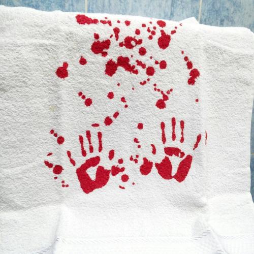 toalla sangrienta sangre muerte manos