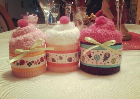 Toallas faciales cupcake perros recuerdos baby shower for Adornos con toallas