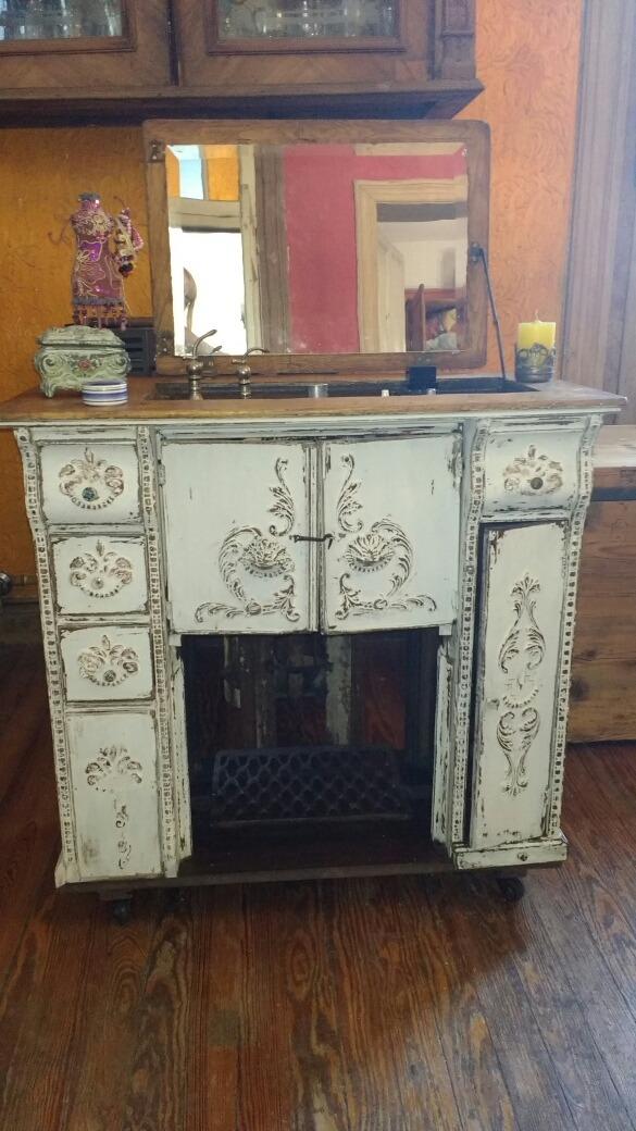 Tocador O Mueble Para Baño Hecho Con Pie De Maquina De Coser ...
