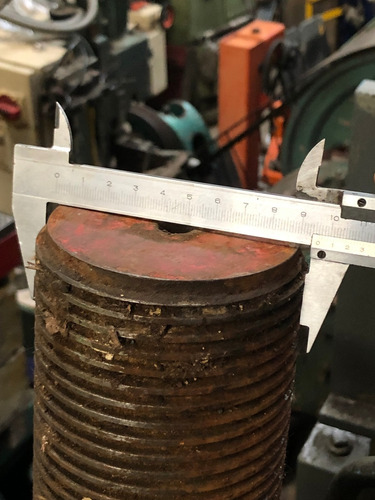 tocho columnas macizo para inyectora o prensa 2,38mts largo.