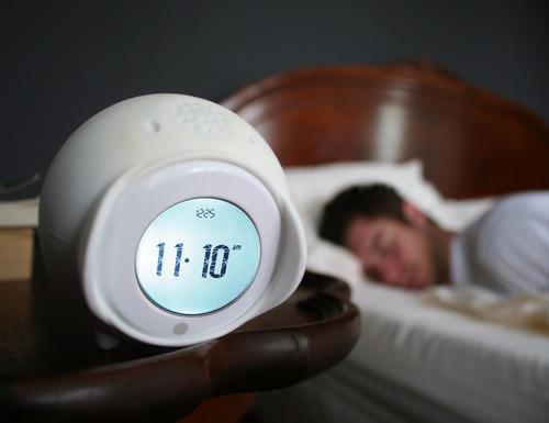 tocky! reloj despertador, rodara tocando tu música favorita