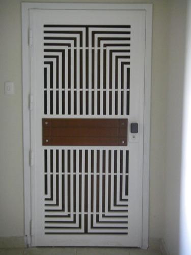 toldo aluminio, reja, puerta de baño, ventana panorámica