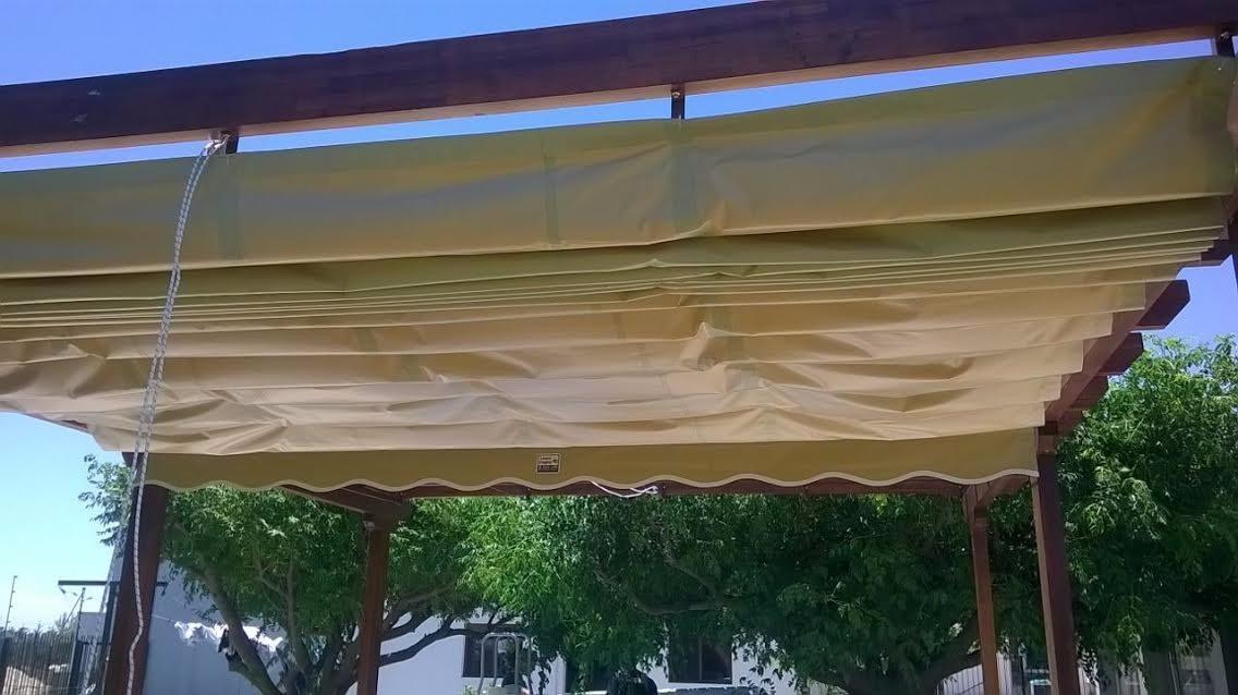 Toldos cerramientos pergolas cubre piscinas lonas de for Pergolas para piscinas