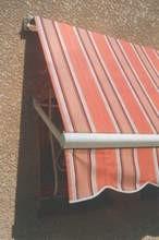 toldos protectores de ventanas  en lonaria y estructura 2.40