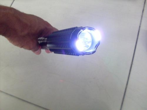 tolete tactico linterna led con descarga y choque electrico