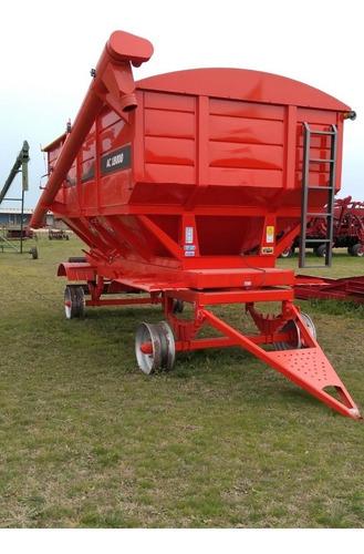 tolva para semillas y fertilizantes marca gimetal ac 18000.