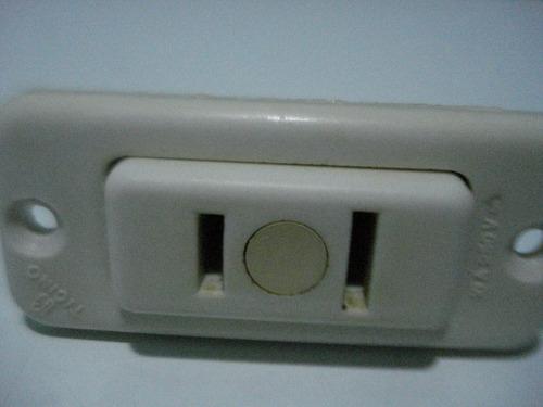 toma corriente empotrable ticino tipo dado pequeno(usado)