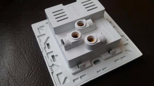 toma eléctrica cuadrada 110vac de pared cargador usb