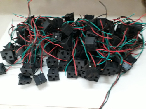 tomada tripolar painel quadrada padrão antigo c/ cabo