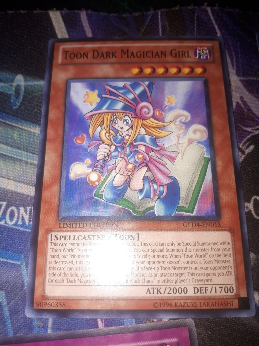 Near Mint - Common Toon Dark Magician Girl GLD4-EN015