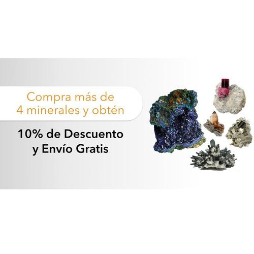 topacio punta mineral natural en matriz con inclusiones gbm
