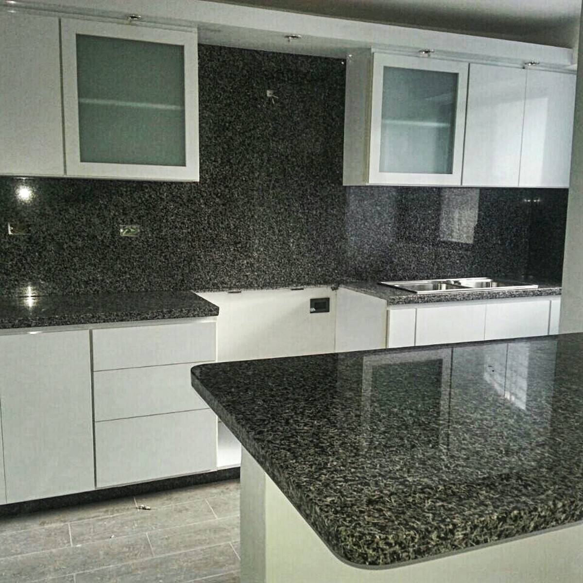 Topes de cocina en granito natural y marmol al mejor for Cocinas de granito precio