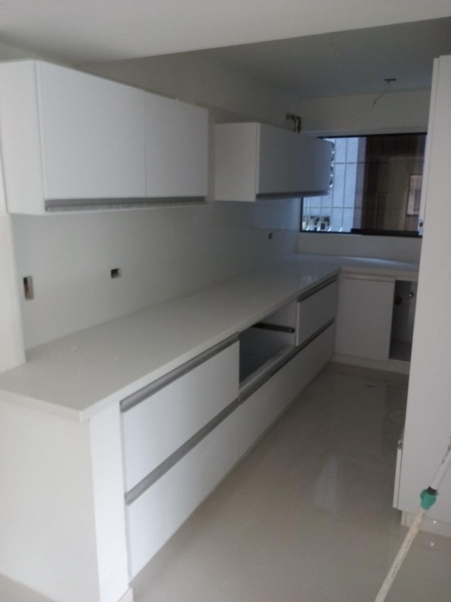 Topes De Granito Para Cocinas , Mesas Y Escaleras . - Bs. 10.000,00 ...