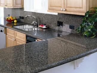Topes de granitos nacionales y cocinas empotradas bs for Colores granitos nacionales