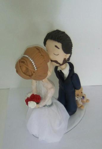 topo de bolo casal tradicional com chow chow
