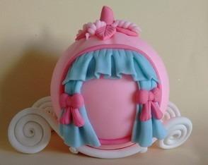 topo de bolo princesas carruagem