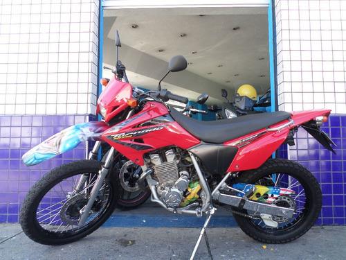 tornado 250  vermelha 2005  muito nova !! impecavel!!!