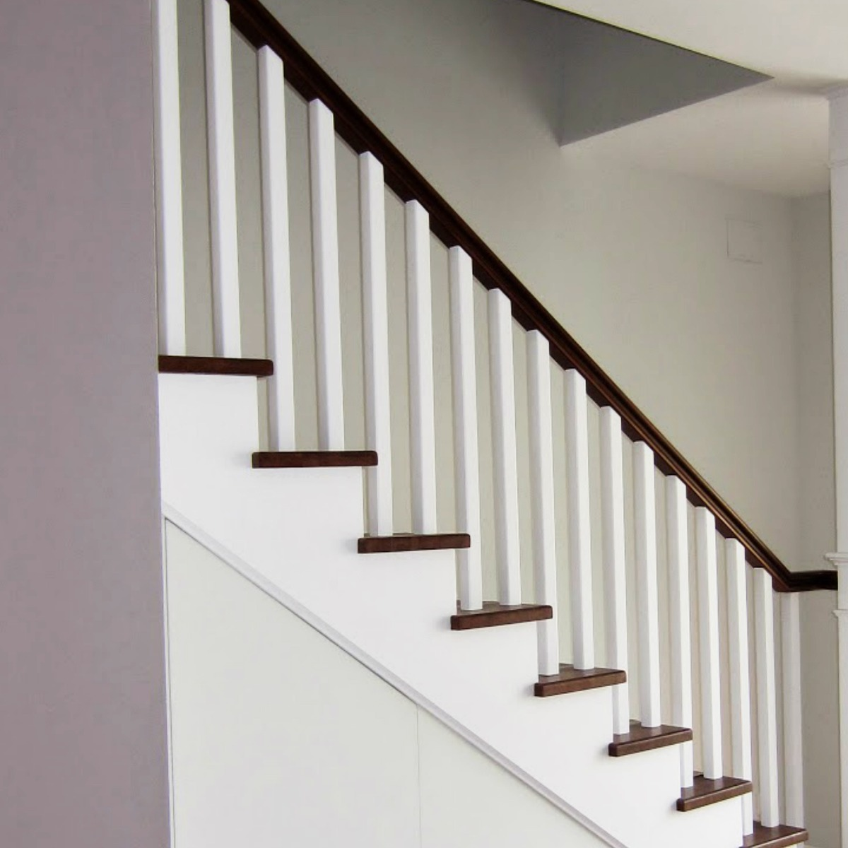 tornera balaustre madera baranda escaleras columna pasamano
