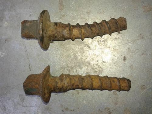 tornillos de via ferrocarril - usados con detalles- oferta!!